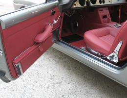 Ferrari 250 GTE interni rossi